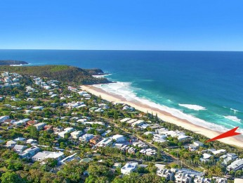 View profile: Classic Beach House In The Heart Of Sunshine Beach