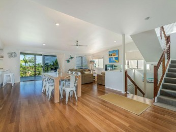 View profile: Eagles Nest - Nestled up on Noosa Hill with Hinterland View