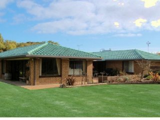 View profile: BEACHPORT SA – WHALE WATCHING & WINE IN WINTER WITH SURFING & SWIMMING IN SUMMER
