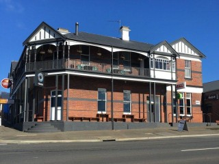View profile: Exceptional Showpiece Leasehold Hotel,netting $310,000,Asking $300,000 long lease.