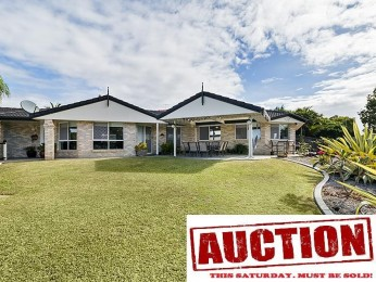 View profile: Fully renovated home on a massive block with granny-flat option! Walk to Stretton College.