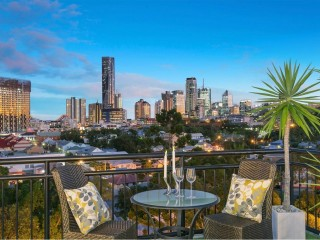 View profile: FOR THE ULTIMATE PENTHOUSE BUYERS! MUST BE SOLD!