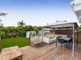 View profile: BEAUTIFULLY RENOVATED 3 BEDROOM HOME IN THE HEART OF MANLY WEST