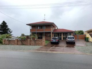 View profile: Family home with parking for the boat and van and a 2 min walk to the beach