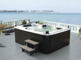 View profile: Established Hot Tubs and Spas Retail Business (Great Brand) (AM)