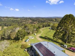 View profile: lifestyle retreat, acreage and mountain views