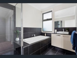 View profile: Brand new townhouse for rent with 2 bedrooms and 2 ensuite
